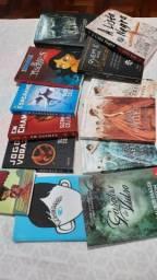 Livros: Jogos Vorazes, A seleção, Maze Runner, e vários outros!
