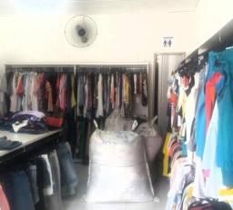 Fardos de roupas semi novas