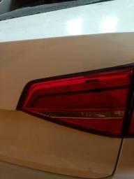 Lanterna Direita Tampa Porta Malas VW Jetta 2015