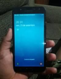 vendo Samsung j7 Neo semi novo com carregador entrego e passo cartão