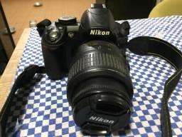 Vendo câmera nikon d3100