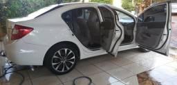 Vende-se ou troca um carro Honda Civic em em caminhão basculante. - 2012