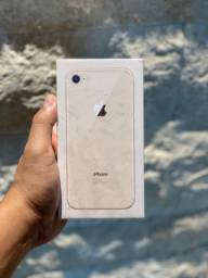 iPhone 8 64 g lacrado