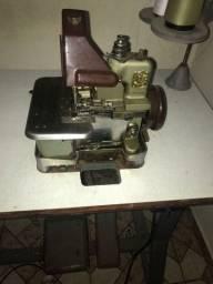 Máquina de costura overlok
