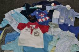Lotinho de roupas para menino