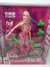 Barbie Boneca com Bicicleta e patins Acessórios Fashion Show Vogue Girl