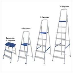 Escada de Alumínio com 3, 5 ou 7 Degraus (valores na descrição)
