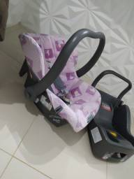 Bebê conforto Burigotto + base de encaixe.