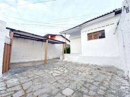 Alugo Casa em Mangabeira, 2 Quartos
