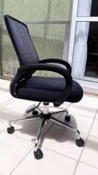 Cadeira de escritório- nova
