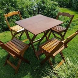 Conjunto Mesa e Cadeira Dobrável com 4 cadeiras