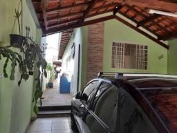 Casa no bairro Chácara dos Pinheiros avaliada em 200.000,00 por 175.000,00