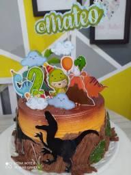 Aceitamos encomendas de bolos temáticos e personalizados