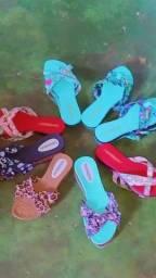 Vendo sandálias femininas novas