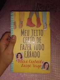 """Livro """"Meu jeito certo de fazer tudo errado"""" de Klara Castanho e Luiza Trigo"""
