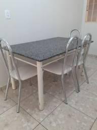 Mesa feita sobre medida 1,90 por 1,50