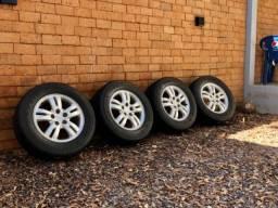 Jogo de rodas com pneus bom