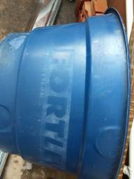 Caixa d'água usada conservada 310 litros,