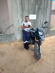 Motorista de freelance (profissional)condutor de veículos de emergência