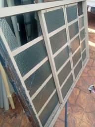 Janela com vidros