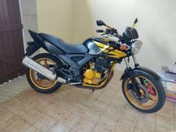 Alugo CB Twister 2004/2008 250cc