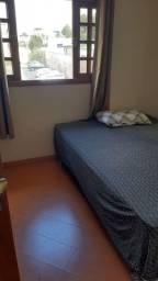 Alugo quarto para solteiro no Bairro Capão da Imbuia