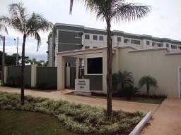 Venda: apartamento com móveis planejados e ar-condicionado