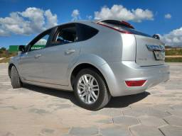 Ford Focus Hatch Ghia - 2009
