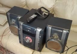 Mini system Toshiba hi-fi mp3 .3 CDs,tape,aux,tunner,controle e duas caixas.