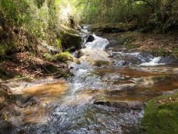Terreno com cachoeira área de 24.000m²