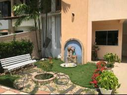 Linda casa duplex, com elevador, no jardim das oliveiras