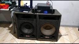Mesa de som mais duas caixas de 15