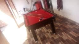 Mesa Tentação Quatro Pés Cor Marrom Escuro Tecido Vermelho Mod. UXVC2226