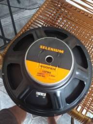 Troco por caixa de som.. Fone de 15 da seleniun e um Toca CD player