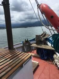 Barco pesca/Turismo