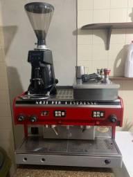 Máquina de Café Astoria Pratic de 2 Grupos