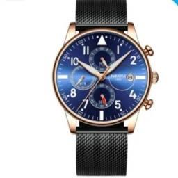 Vendo um relógio,,nibosi