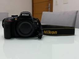 Câmera Nikon D3400 (pouquíssima usada)