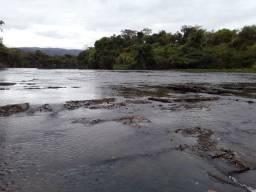 Chácara beira do rio Paraúna