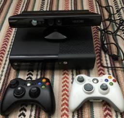 Xbox 360 Destravado 250GB Original - Com jogos, 2 Manetes