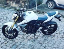 Título do anúncio: ( Thaisa) moto gsr 750