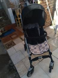 Vendo carrinho bebê Completinho sem mancha nada estragado novinho da marca peg-perego