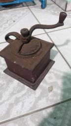Moedor cafe antigo de ferro