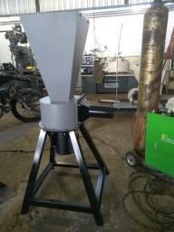 Triturador de espuma e isopor