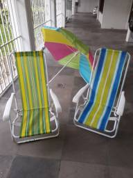 Kit com 2 cadeiras longas de praia e um guarda sol
