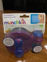 Título do anúncio: Vendo pote Munchkin para  fórmula - Fórmula dispenser