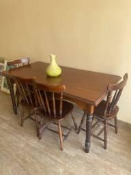 Mesa de Madeira c/ Cadeiras e Buffet