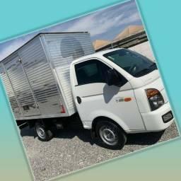 Título do anúncio: Frete e Mudança caminhão baú HR Goiânia e Interiores etc