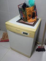 Máquina lava louças brastemp