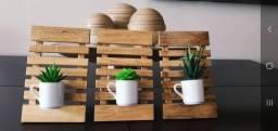Quadro decorativo madeira com xícaras